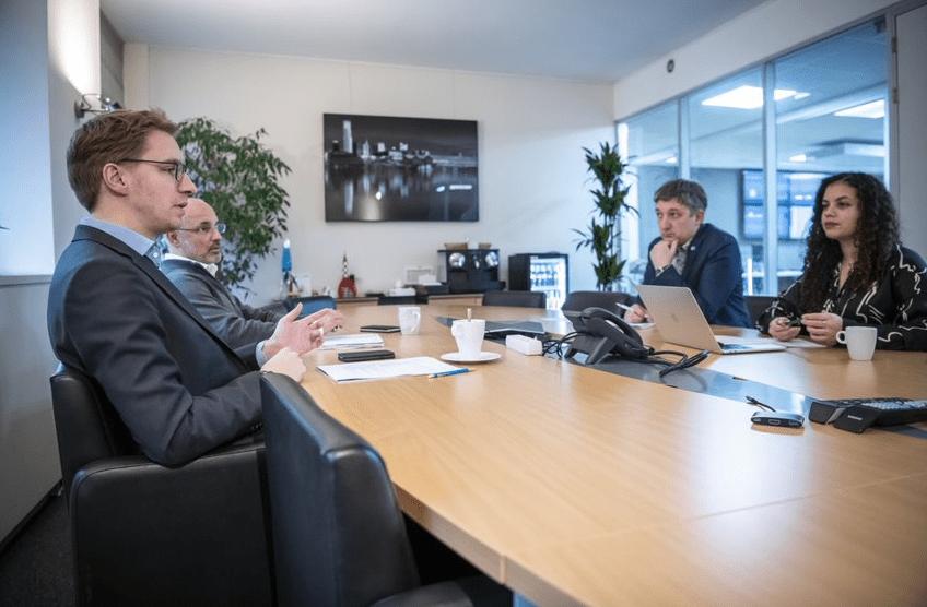 Giles Daoust réunion de rédaction